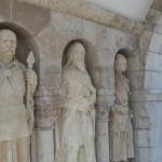 középkori hőseink szobrai