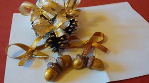makkból készült karácsonyi díszek